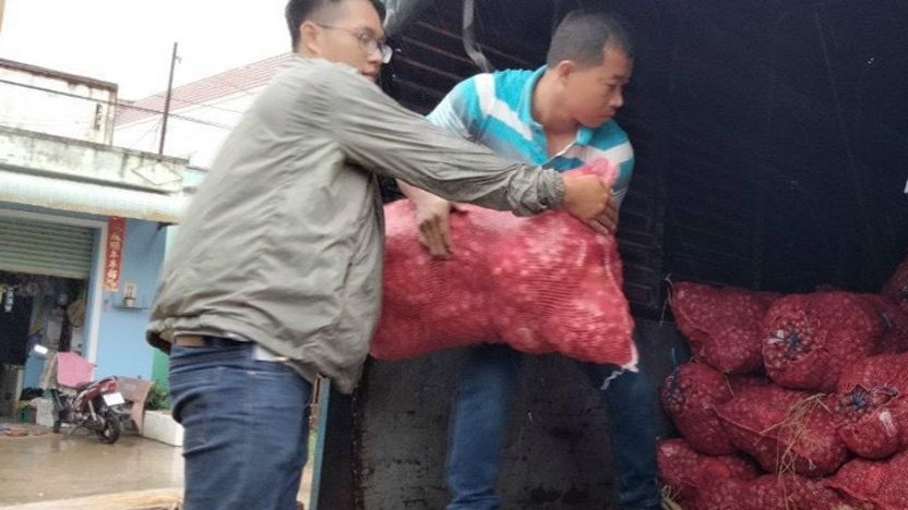 East West Seed Vietnam supported its local communities and children who are affected by Covid-19